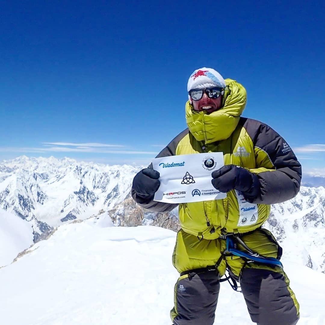Gonzalo Fernández al cim del Gasherbrum, la tretzena muntanya més alta del planeta. Foto: Facebook