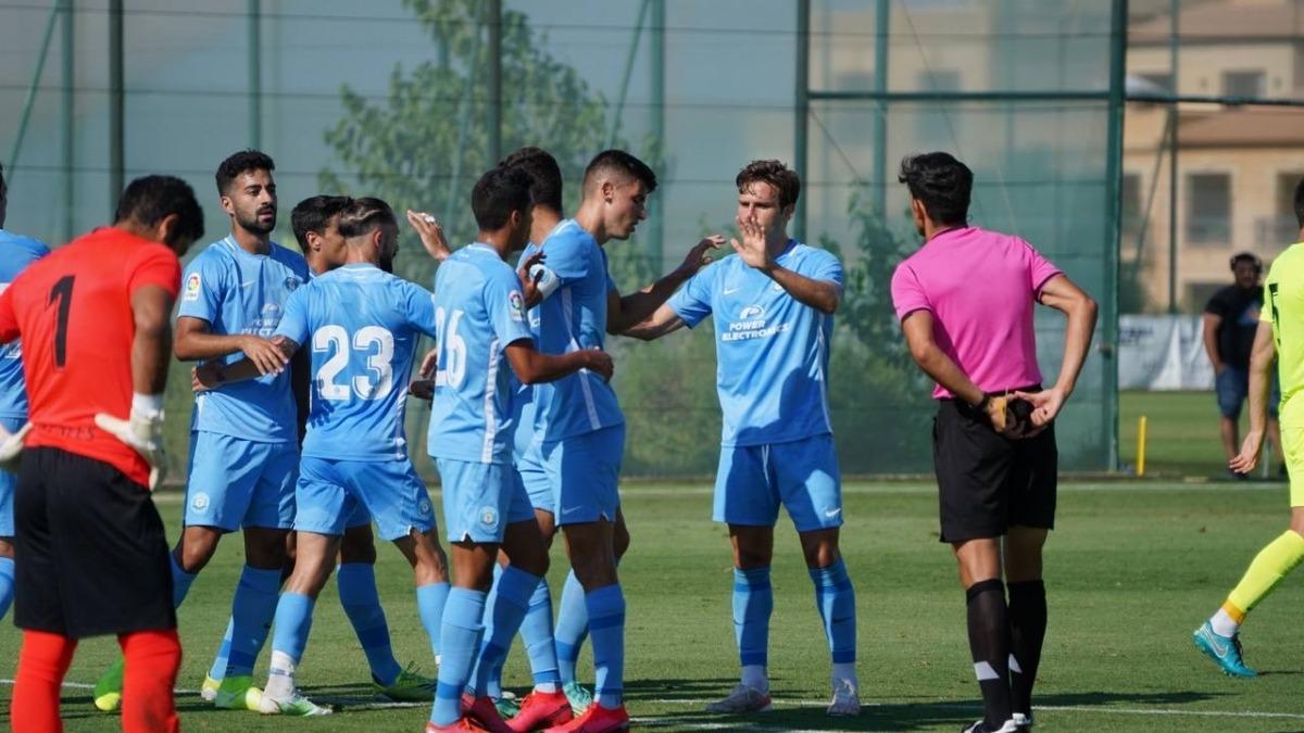 El davanter de l'UD Ibiza/Eivissa, Sergio Castel, celebra l'únic gol del partit. Foto: futbolpitiuso.es