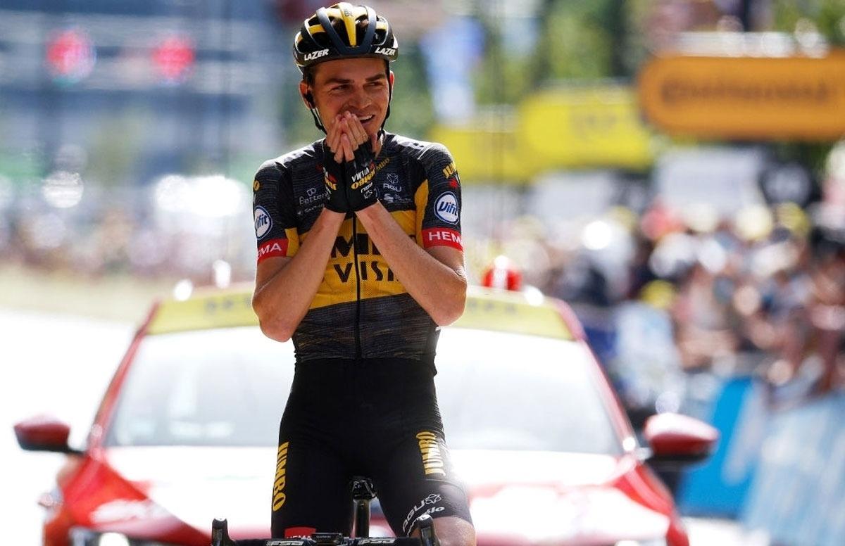 El ciclista nord-americà quan va creuar la meta a l'avinguda Tarragona. Foto: Twitter