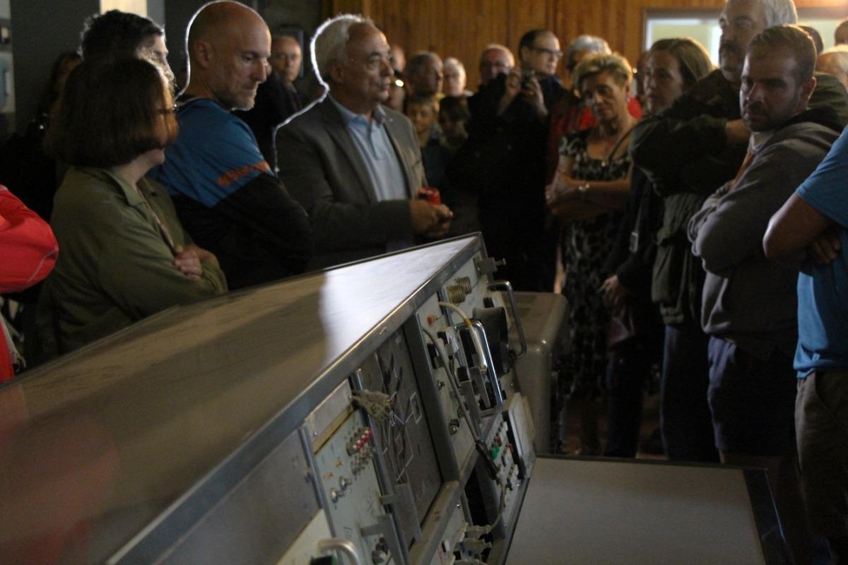El mateix Joan Font va exercir de guia a la visita a les instal·lacions de Sud Radio al Pic Blanc.