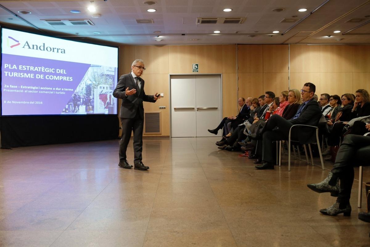El pla estratègic de compres planteja convertir el Pas en l''outlet' d'Andorra