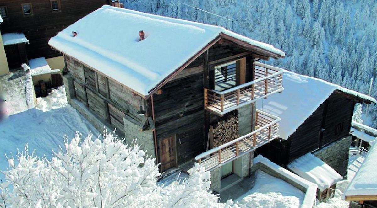 Borda a Commeire, un nucli de 100 habitants als Alps suïssos.