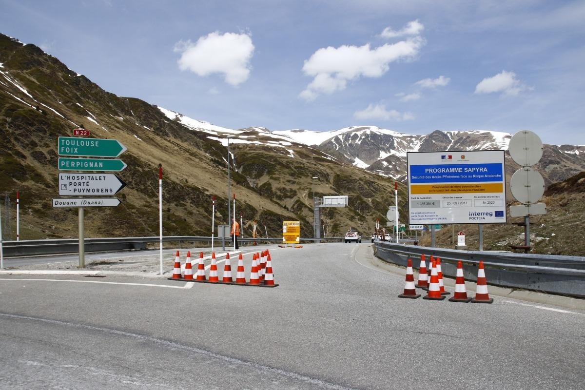 Imatge d'arxiu de la carretera d'accés a França, just a la sortida del Pas de la Casa.