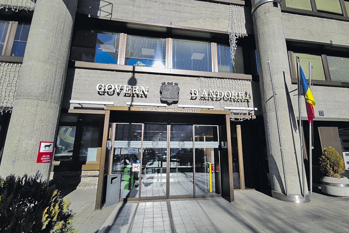 La façana de l'edifici administratiu del Govern.