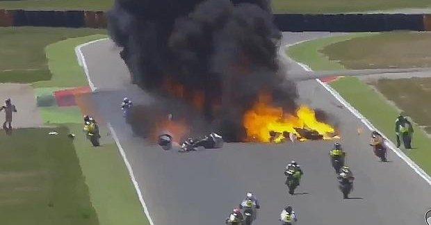 Xavi Cardelús surt il·lès d'un accident espectacular