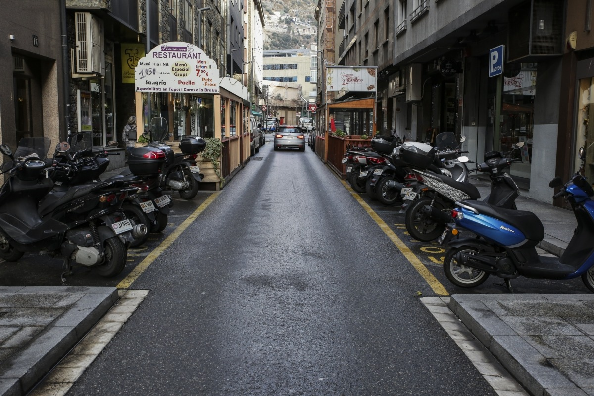 El carrer Callaueta, un dels que té més establiments de restauració de Prada Ramon, aquest dimarts.