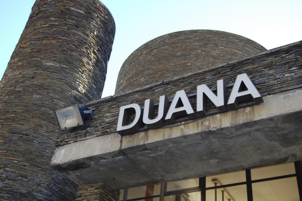 Instal·lacions de la duana andorrana a l'entrada sud del país.