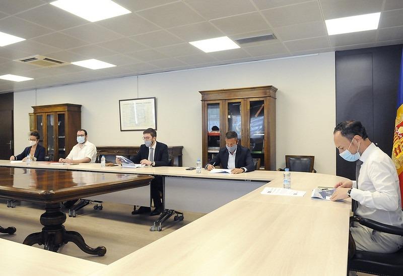 Un moment de la reunió mantinguda durant el matí amb els parlamentaris socialdemòcrates.
