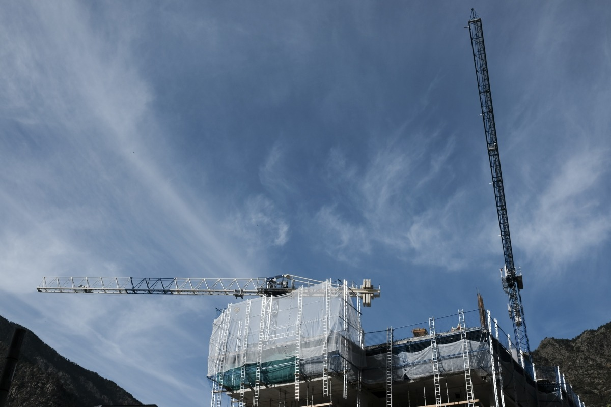Un edifici en construcció al centre de la parròquia d'Escaldes-Engordany.