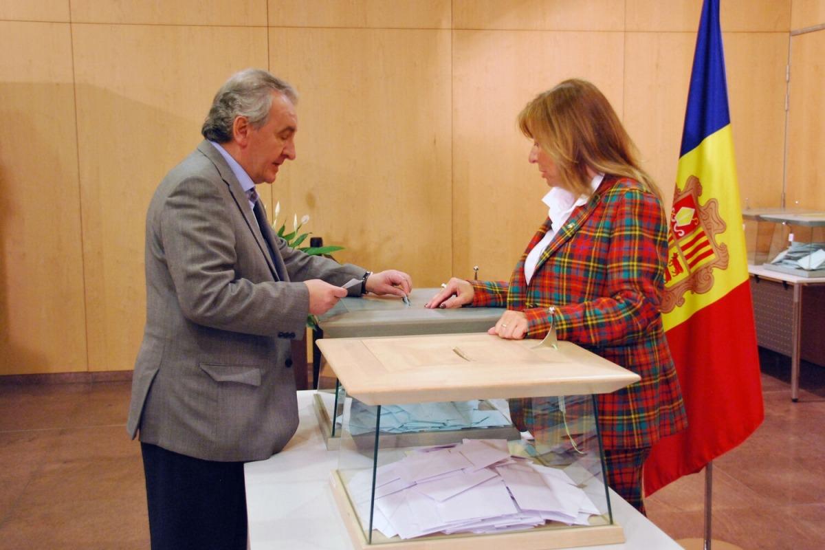 Bartumeu i Marsol durant la jornada electoral de les darreres generals.