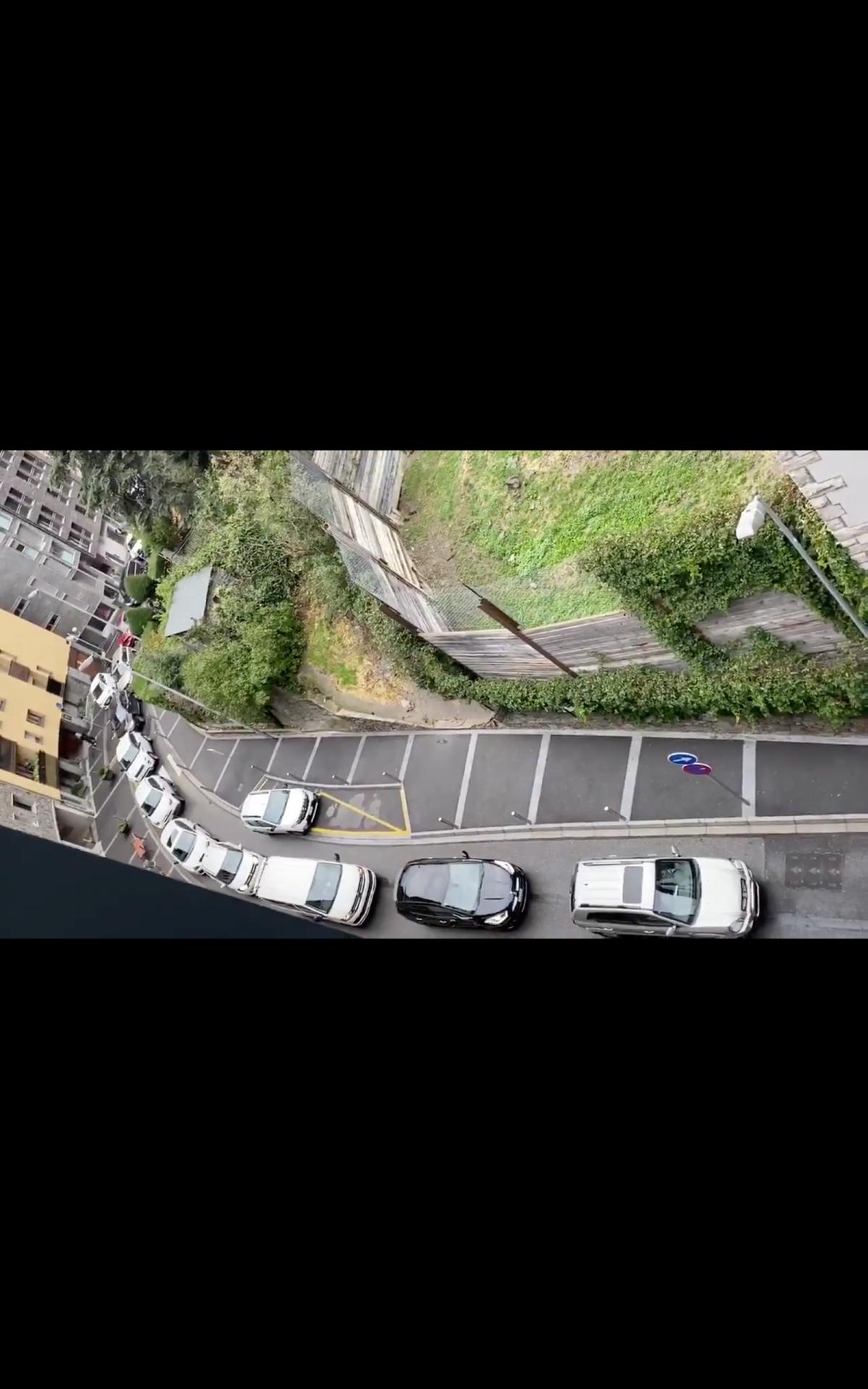 Captura d'imatge d'un vídeo que circulava ahir per les xarxes per testimoniar l'embut.