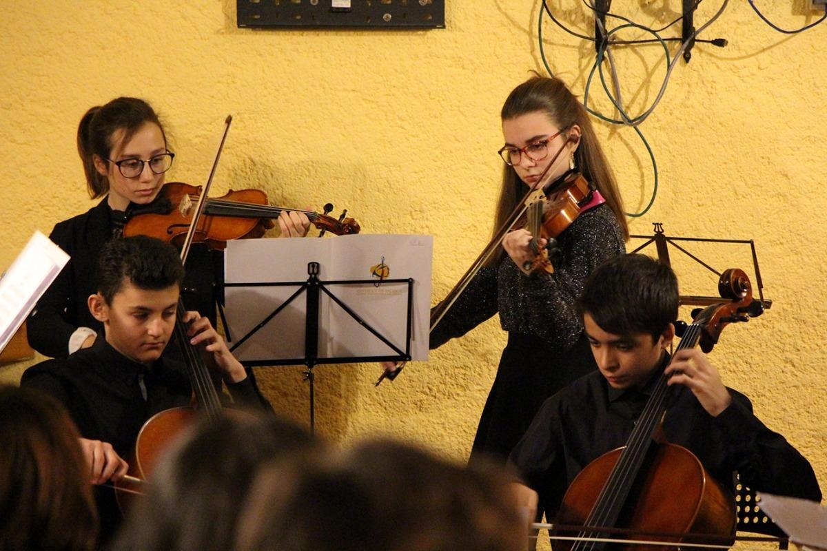 Alumnes de l'Institut de Música de la capital, que quan hagi homologat els plans d'estudi podrà començar a atorgar titulacions oficials.