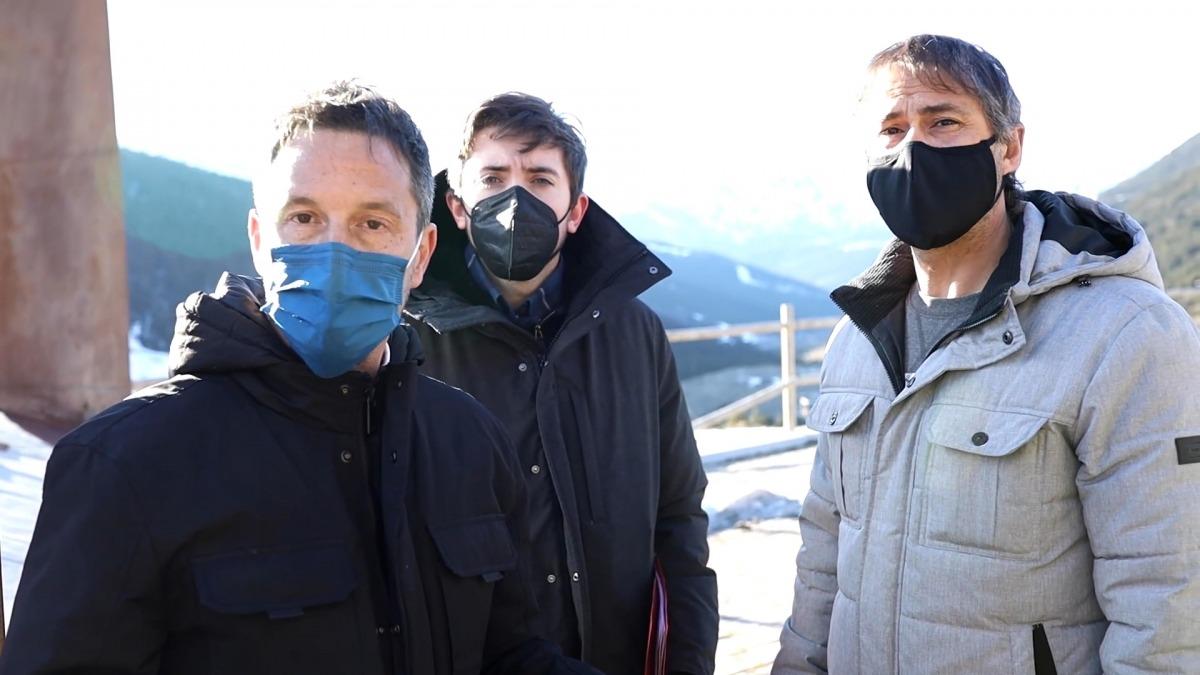 Pere López, Roger Padreny i David Rios han visitat la zona on s'estudia fer l'aeroport.