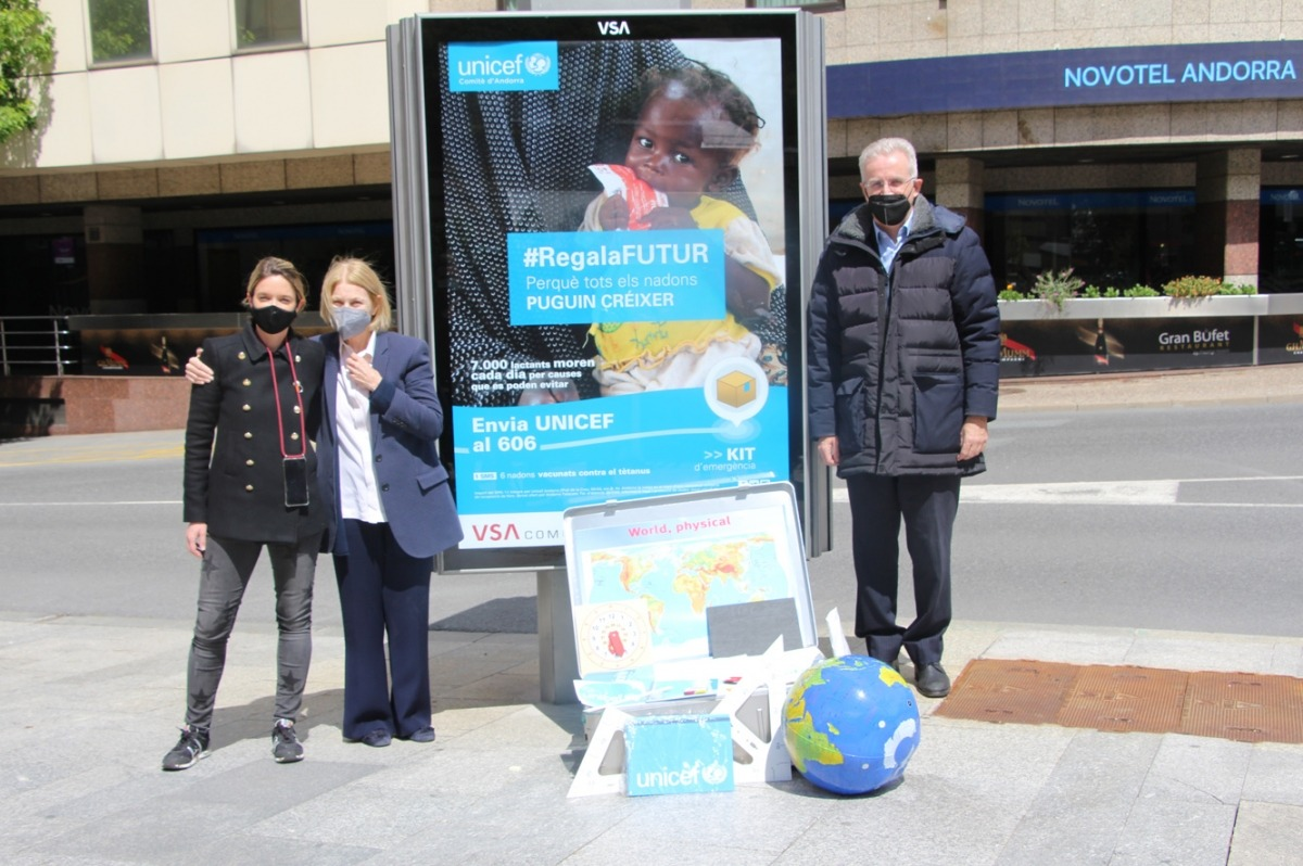 Un moment del tret de sortida de la campanya #RegalaFutur d'Unicef Andorra.