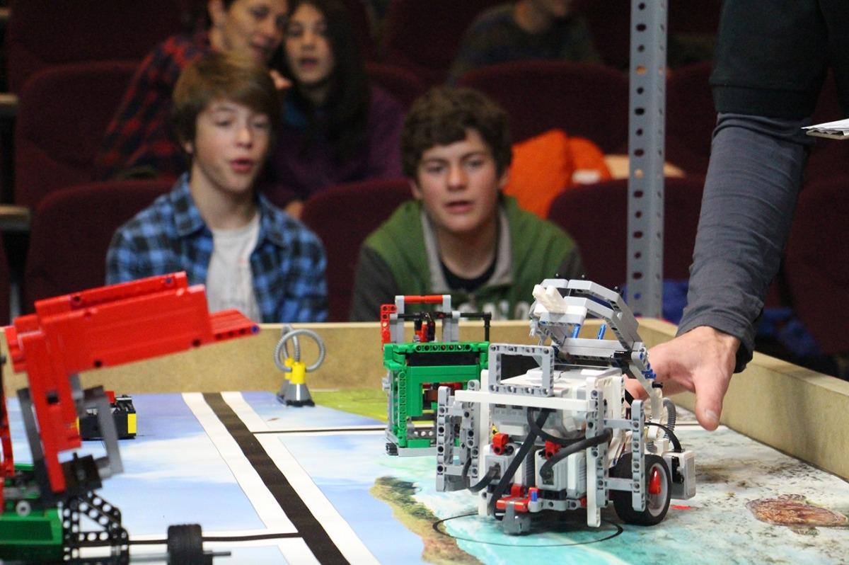Tot a punt per a la final de la competició de robòtica d'aquest dissabte Tot a punt per a la final de la competició de robòtica d'aquest dissabte