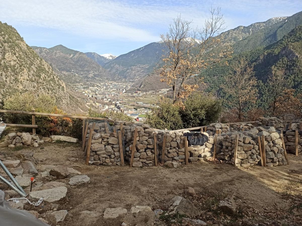 Les pedres van ser inventariades per Patrimoni per poder-les restituir al lloc que ocupaven al campanar ensorrat.