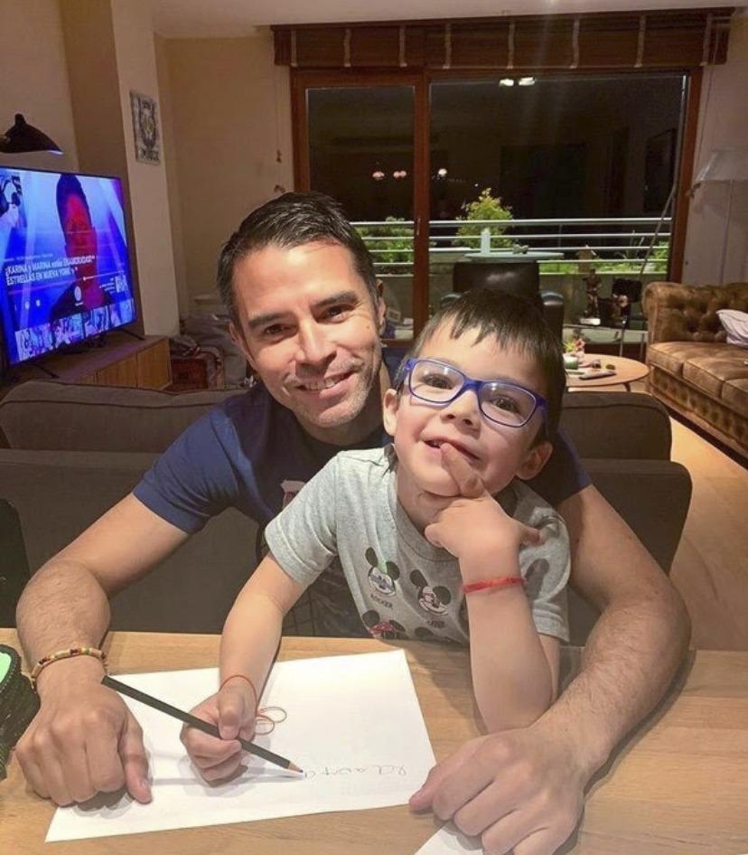 Javier Saviola amb el seu fill.