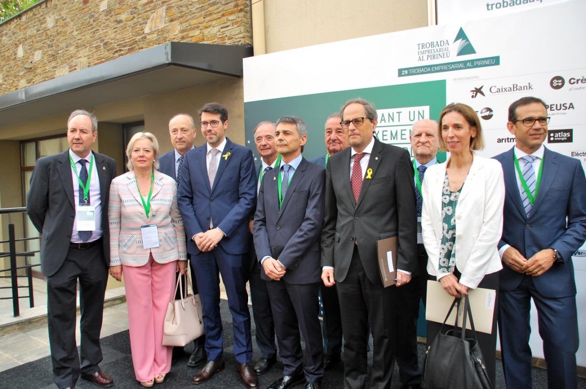 ANA/ Foto conjunta minuts abans de la inauguració de la Trobada Empresarial al Pirineu.