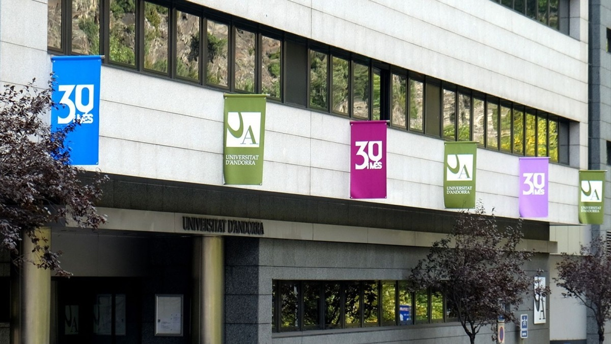 La façana de l'edifici de la Universitat d'Andorra.