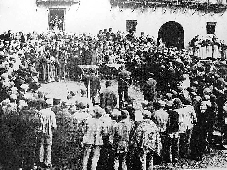 Lectura pública de la sentència, el 28 de març del 1896 a l'actual plaça Benlloch; Baco hi va ser condemnat a mort, però el tribunal de Crorts li va commutar la pena per la de treballs forçats a perpetuïtat.