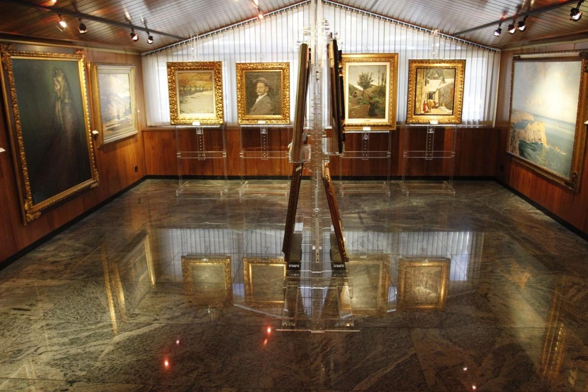 Andorra, exposició, fons d'art, Crèdit Andorra, portes obertes, jornada, Pere Pruna, Dama con guante blanco