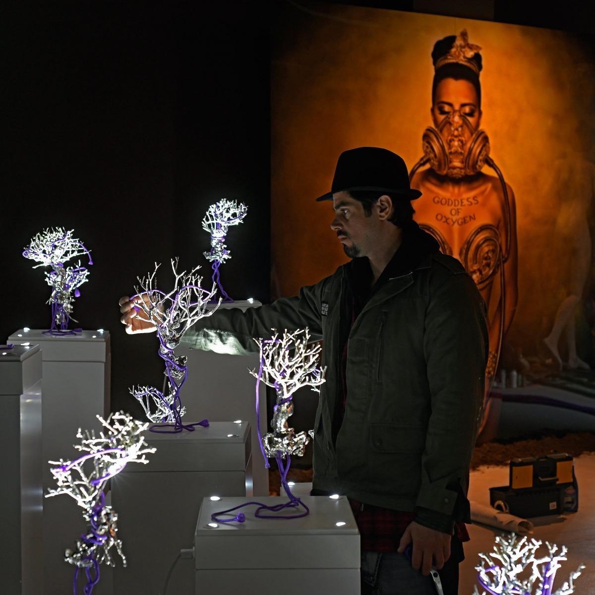 Fragment de la multiinstal·lació 'Future is Now', que Shagti exposa al pavelló andorrà de la 53a Biennal de Venècia.