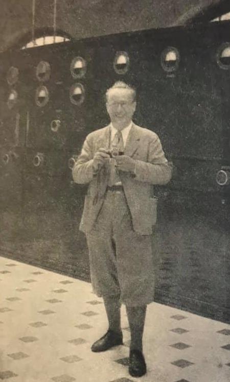 Kurt Mair, encarregat segons Noguères de la propaganda nazi a les emissores alemanyes en territori francès durant l'ocupació, a la sala dels emissors d'Encamp.