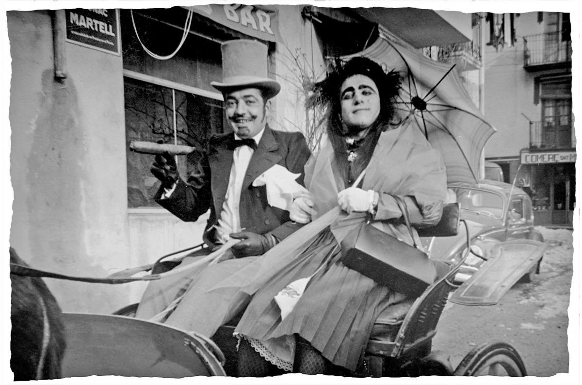La mostra de fotografies antigues penjarà vint-i-cinc còpies en gran format d'imatges com aquesta de la desfilada, datada als anys 60.