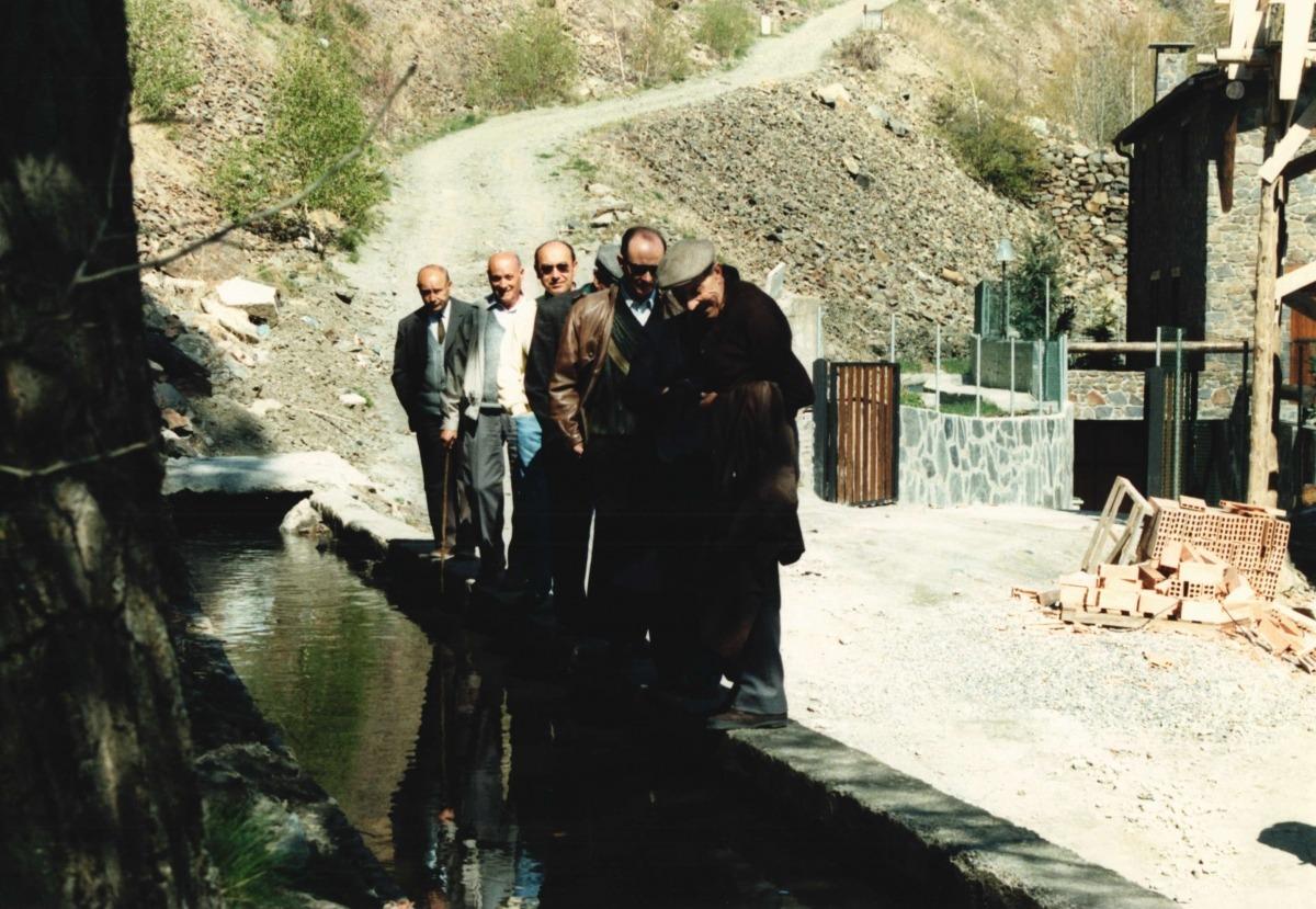 L'inici del rec, a la zona dels prats de la Grella.