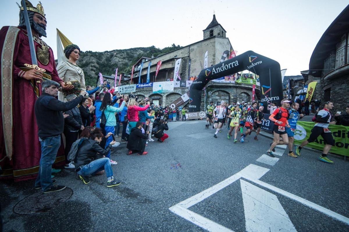 Arrenca la Ronda dels Cims amb la participació de 450 corredorsArrenca la Ronda dels Cims amb la participació de 450 corredors