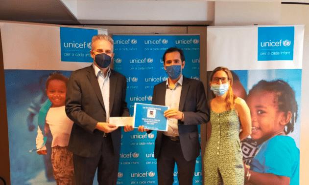 La donació de la Fundació Armor a Unicef.