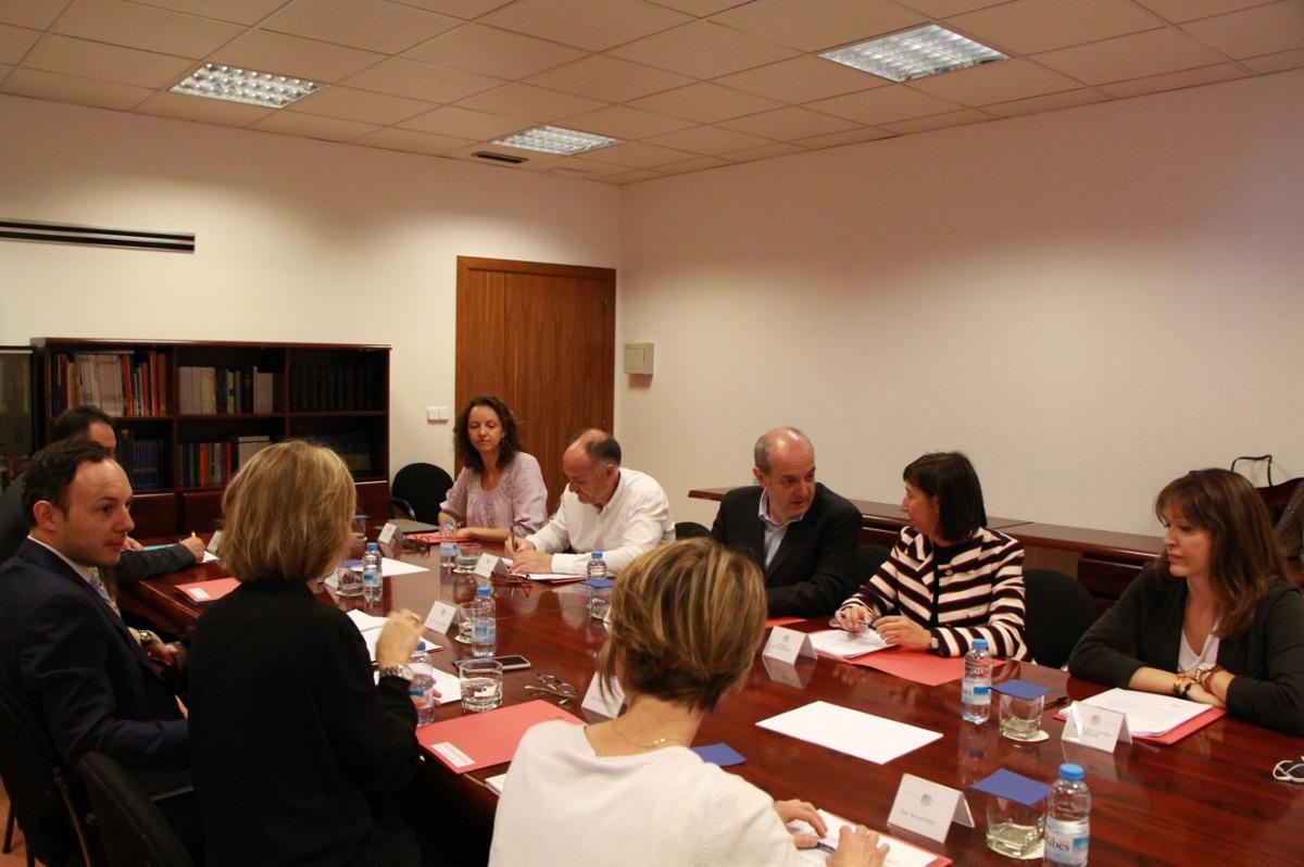 Els membres de la Comissió de prevenció de violència de Gènere, aquest matí