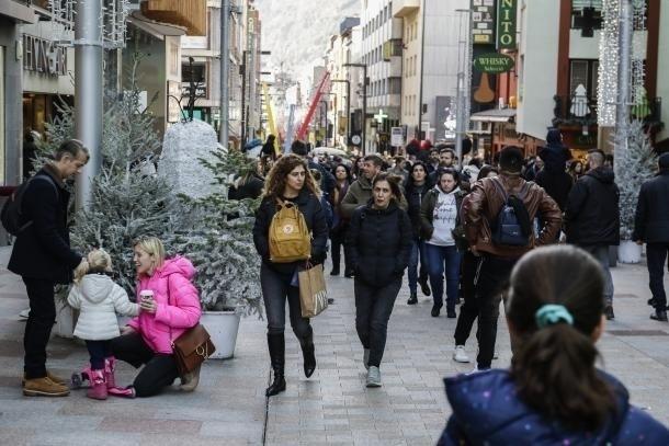 Visitants el gener de l'any passat a l'avinguda Carlemany.