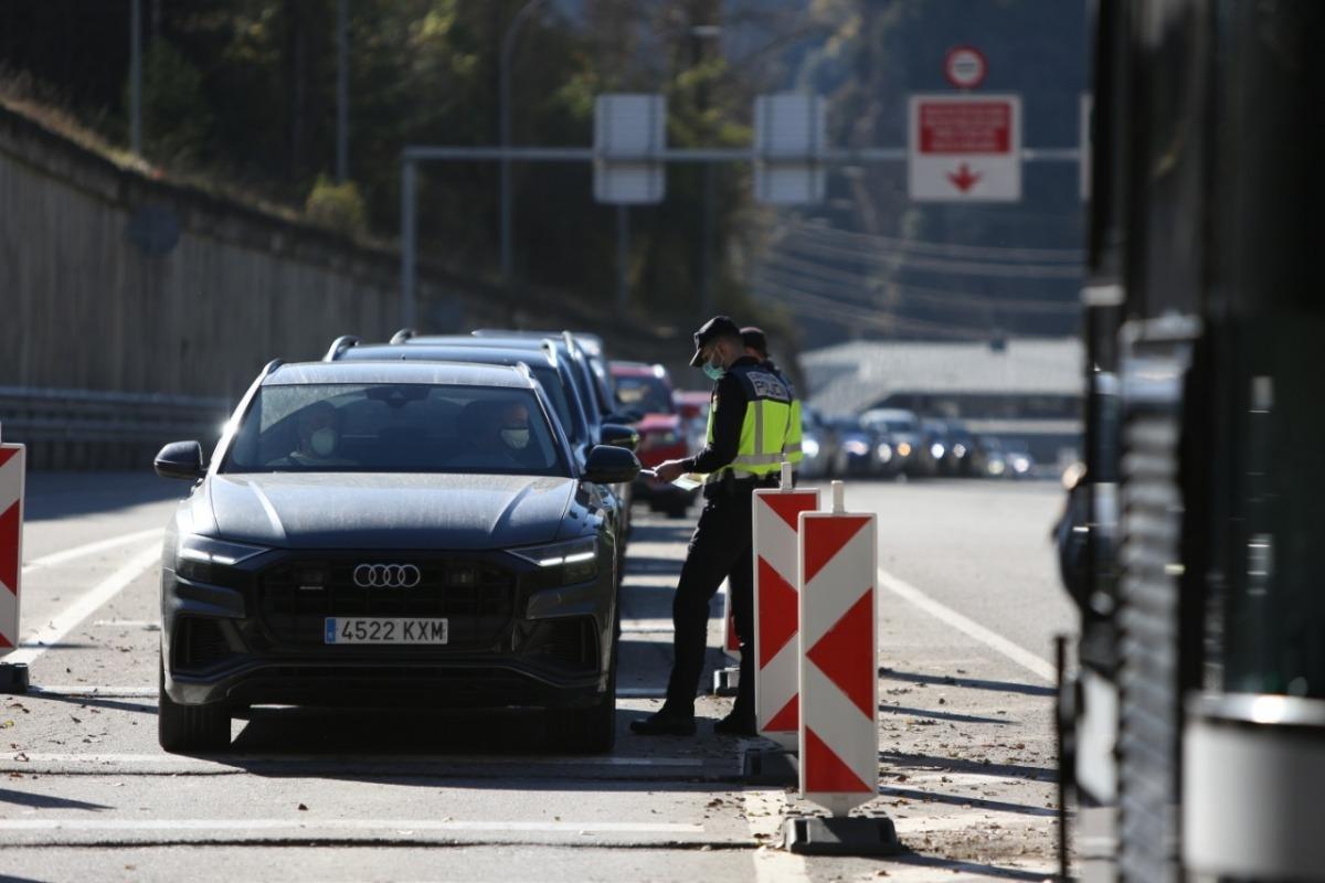 Controls policials a la frontera hispanoandorrana.