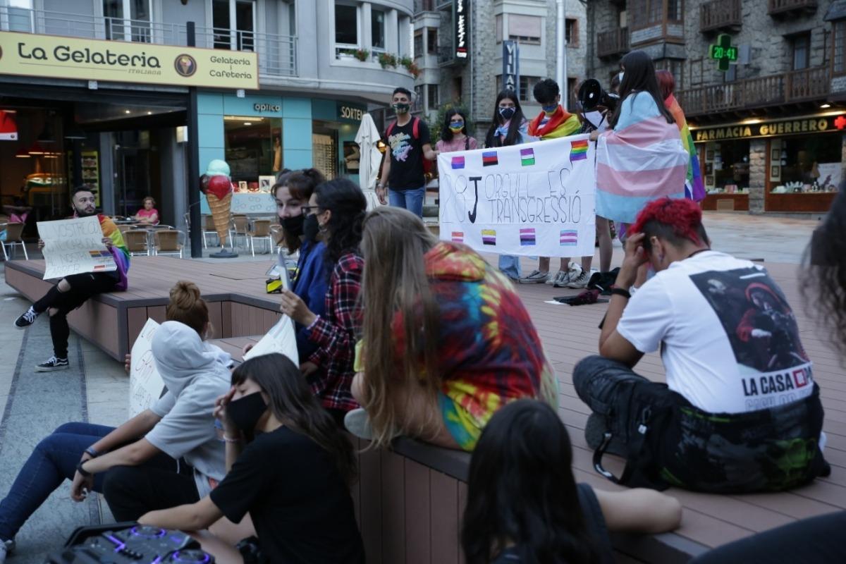 Moment de la lectura del manifest final a la plaça Coprínceps.