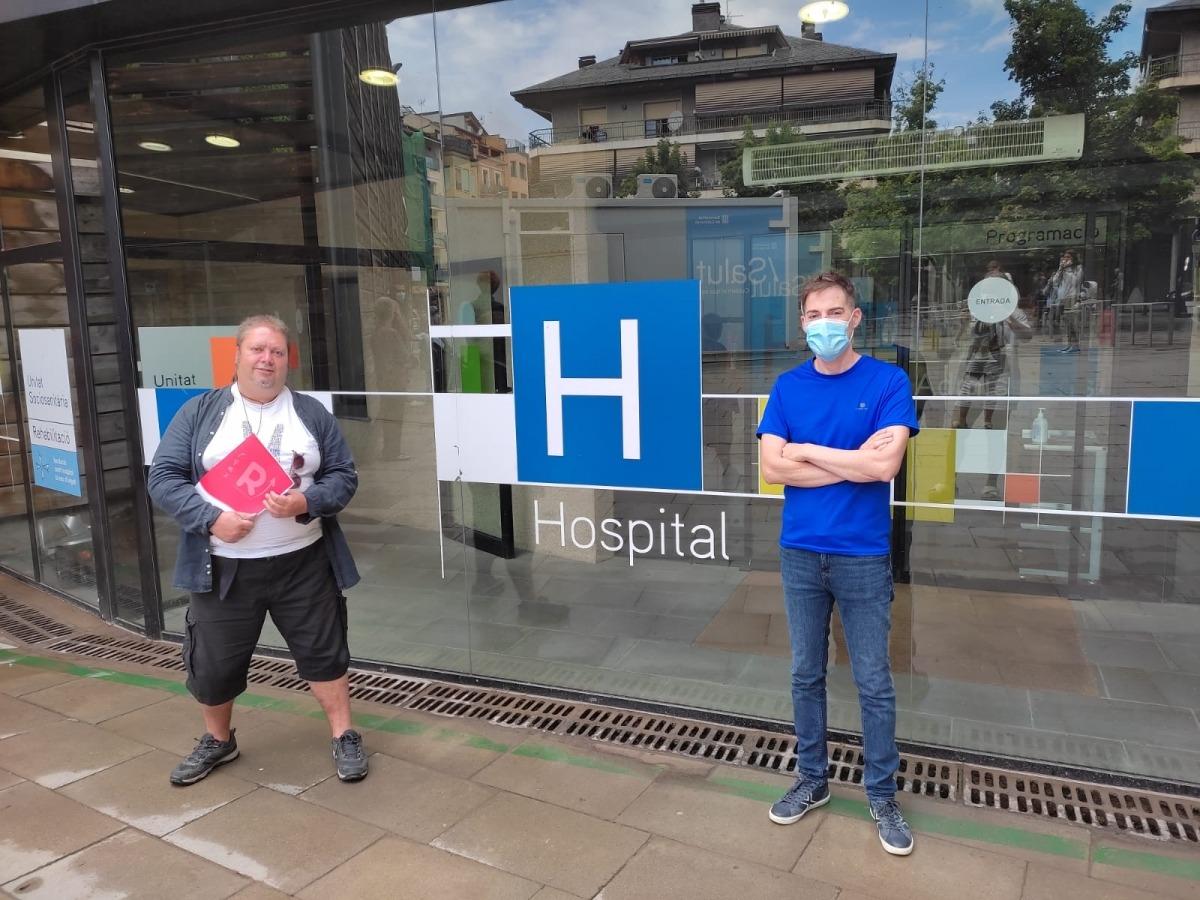 Els portaveus sindicals a la porta de la FSH on s'ha celebrat la roda de premsa.