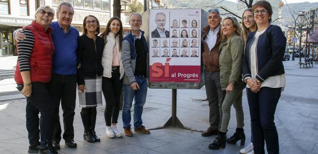 Els candidats de Progressistes-SDP, amb Josep Roig al capdavant, a la Massana.