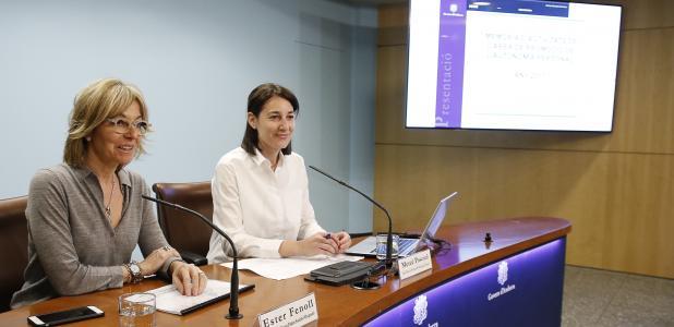 Ester Fenoll amb la coordinadora d'Afers Socials, Mercè Pascual, van fer balanç ahir de l'activitat realitzada el 2017.