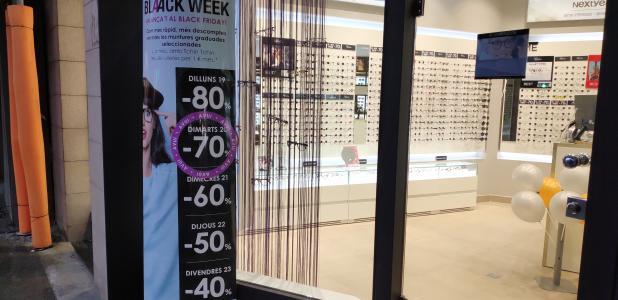 Alguns comerços allarguen les promocions d'alguns dels seus productes tota la setmana.