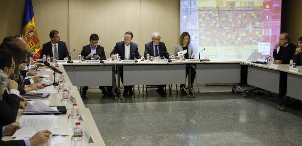 Un moment de la tercera reunió de la Comissió nacional de l'habitatge, celebrada ahir al matí.
