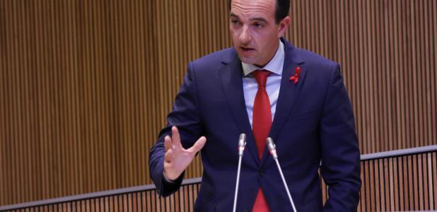 Torres insta els grups a treballar per una reforma àmplia de la llei del sòl