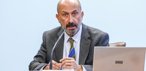 El ministre de Salut, Joan Martínez Benazet, va presentar ahir el nou reglament de les despeses de desplaçament i allotjament.