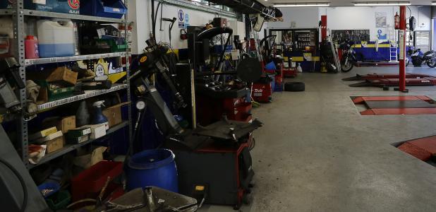 El sector del comerç i la reparació de vehicles és el que ha registrat més accidents, 788, i baixes laborals, 387.