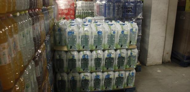 Els establiments retiren de la venda totes les ampolles d'Aigua d'Arinsal