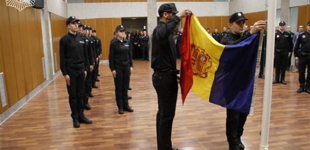 Els nous agents en l'obertura de la 54a promoció de la policia, el 18 de gener passat.