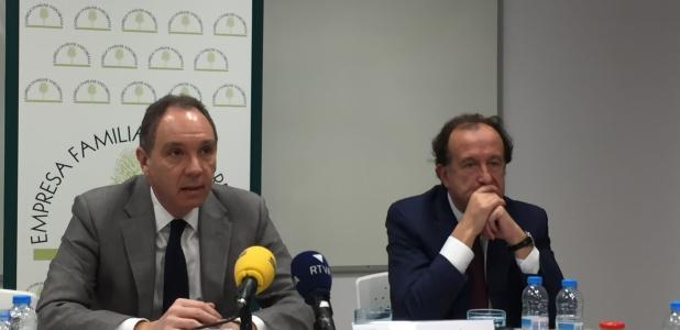 Francesc Mora i Joan Tomàs durant la trobada que van mantenir ahir amb la premsa a la seu de l'EFA.