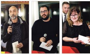Tres dels quatre autors locals que van pujar ahir al podi: Albert Ginestà (Contes i narracions, abm 'I.real'), Carles Sánchez (Assaig literari, amb 'Èpica i història: l'Andorra d'Isabelle Sandy') i Sofia Masegosa (Investigació històrica, amb 'La vida teatral a Andorra').