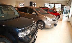 Les matriculacions de vehicles baixen un 11% al març concessionari vehicles matriculacions