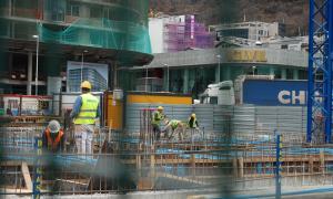 Més metres autoritzats per construir obra nova però menys permisos