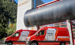 El departament de Prevenció i Extinció d'Incendis i Salvaments incorpora dues noves ambulàncies